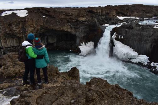 Aldeyarfoss, jeden z tých tažšie dostupných vodopádov. Ale za tú cestu to určite stojí!