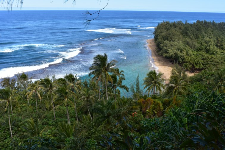 Výhľad pri ceste späť na pláž Ke´e.