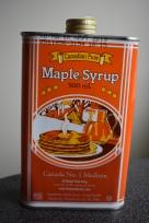 Symbol Kanady, javorový sirup. Ten dokážu zjesť s hocičím a musím priznať, že javorovému sirupu, ako aj celkovo javorovej príchuti v kadečom, som väčšinou prišla na chuť aj ja.