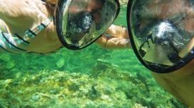 Prvýkrát sme vyskúšali šnorchlovacie masky. Musím však povedať, že preferujem šnorchlovanie s klasickými okuliarmi a šnorchlom.