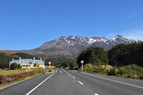 Dedinka Whakapapa leží priamo pod horou Ruapehu